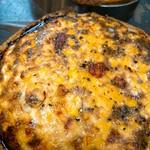 季節によって変わるキッシュをメインにお野菜とパンをワンプレートに。女性に大人気のランチメニューです。