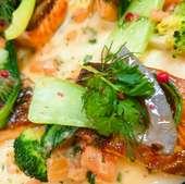 陸奥湾産天然真鯛のポワレ ラタトゥイユと大葉のピストゥー アスパラガスのフリット