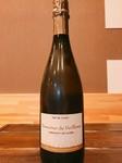 フランスのムニュピノ、シャルドネを使用したスパークリングワイン。 ふくよかでありながら硬質な酸と豊富なミネラルの旨味が口の中で柔らかく広がりすべての要素が複雑に絡み合うワインです。