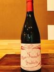 フランスのグルナッシュ、シラーを使用した赤ワイン。 厚みのある果実味と旨味、構成のしっかりとしたタンニン分があるワインです。