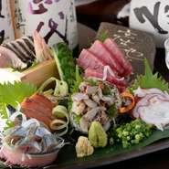 目の肥えたバイヤーが毎日仕入れている旬の活きた貝や魚をお刺身で堪能できます。これからの季節は、脂のりの良い素材の味を存分に楽しめます。和だけでなく『アヒージョ』もあり飽きることはありません。