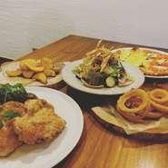 メニューの一部を除きテイクアウトができます。ピザやパスタ、バーニャカウダ、パーティーセット等お家でもPORTOのお料理を美味しく楽しく食べられるホットプレート活用をオススメしています!(^^)!お試しください。