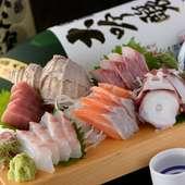 毎日の市場への買い付けで新鮮な魚介類が食べられる!