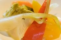 季節の美味しい野菜をオリジナルレシピで漬けました