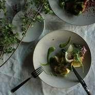 ・アミューズ ・野菜のパフェ ・季節の前菜(魚) ・メイン料理(肉) ・アヴァンデセール ・季節のデザート ・小菓子 ・食後のお飲物