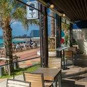 沖縄の風を感じながら楽しむ食事
