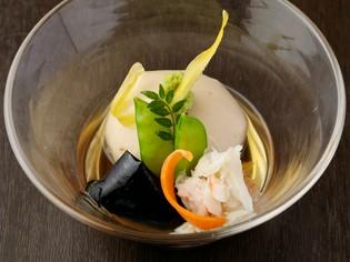 揚げても、焼いても美味しい。料理の中心、『胡麻豆腐』