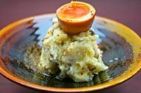 煮卵の燻製と京しば漬けが良く合います