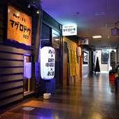 栄駅から5分という、抜群のアクセスを誇る店