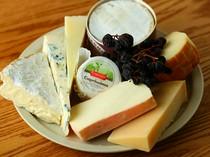 ワインとの相性ぴったり。種類豊富なチーズ