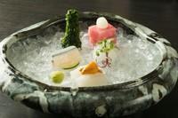 季節のおまかせ料理 伝統本玉露 先付 椀盛 造り 八寸 焼物 温物 食事 甘味 薄茶