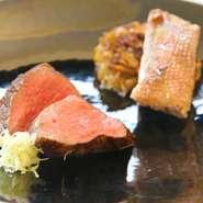 シェフの故郷・静岡や全国の旬の食材を中心に その日の素材を一番おいしくご提供するため、「日替わりお任せコース」とさせていただいております。 ※食物アレルギーや苦手な食べ物などは、予約時または来店時にお伝えください。