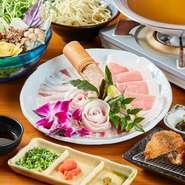 """沖縄が世界に誇るブランド牛である""""石垣牛""""。出荷までにいくつもの厳しい規定があり、規定をクリアした石垣牛のみを入荷しています。口の中でとろけるような食感と、上質な甘みがたまらない美味しさ。"""