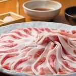 前菜3種+1品料理+肉(石垣牛 リブロース+赤身)+野菜バイキング+〆(沖縄そばまたは雑炊)+デザート