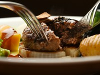 150gのボリュームと最高級フィレ肉を手切りしたホロホロ感が絶品!