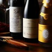 ワインやシャンパンが多彩な【北新地 はらみ】。ハラミとトリュフに合うワインを、自分で試すも良し、常勤のソムリエにお任せするも良しです。いつもは飲まないワインにも挑戦して、奥深さに触れてみては。