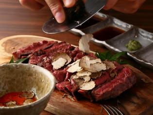 上質な肉を、技術と工夫で更に美味しく食べる『ハラミステーキ』