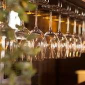 料理との相性を考えて取り揃えられた、ワインの種類も豊富