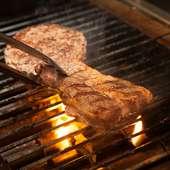 肉々しさを感じる厚切りカットが特徴『備長炭生リブロ―スステーキ』