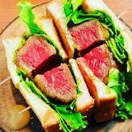 赤身肉の最高峰フィレ肉のカツサンド アカミニクバルならではのカツサンド お土産に大人気です!! お土産のみのお電話も頂いております!!