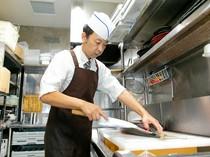 料理人の持つ技巧が活かされた、おいしさと美しさを併せ持つ料理