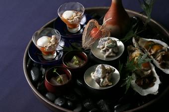 日本酒やワインを中心とした「醸造酒」とのマリアージュをお楽しみください