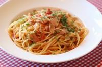 ナポリ風の生地に マスカルポーネクリームを塗り ココアで仕上げたデザートピザ(常温)