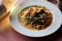 じゃがいもニョッキのクリームチーズグラタン。熱々で食べ応えのあるじゃがいのニョッキの食感と濃厚なクリームソースがチーズと絡み合い香ばしいグラタンに仕上がっています