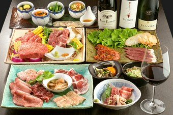 シェフが選りすぐった肉を存分に楽しめる、満足度大のおまかせコース