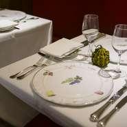 ハンドペイントで絵付けしたフランス・ムスティエの特注皿