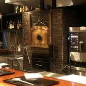 特製炉釜で焼く熟成肉の美味しさを、炭火焼ステーキで味わう幸せ