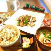 有機野菜を中心に旬の食材を使用。全て無添加調味料で調理!