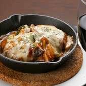煮込みハンバーグのチーズ焼き 2個