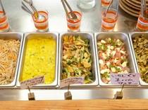 惣菜の種類が豊富。好みや気分に合わせて愉しめる