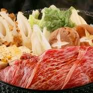 """高品質な国産食材を厳選仕入れ。北海道の""""なまら旨い""""料理をコースで堪能できます。味も接客も上質な上、驚くほどリーズナブルな価格。20代の若者~90代の熟年まで、根強いファンがいるとっておきの一軒です。"""