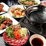 当店全席個室でまわりを気にせず当店自慢の鶏料理を贅沢に味わう豪華コース。