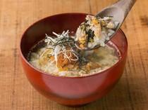 鰹と昆布の合わせ出汁、さっぱりとした味わいの『鯖の茶漬け』