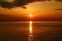 夕陽百選にも選ばれる絶景のサンセットが目の前に
