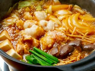 食材の旨味が溶け込んだスープを最後まで楽しむ『ホルモン鍋』