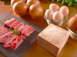 淡路牛をはじめ、淡路玉ねぎ、淡路産米や卵など島食材が集合