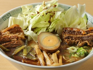 約半分の人がオーダーする、一番人気の『太肉麺』