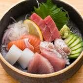 淡路島直送の鮮魚をはじめ旬の魚を使った『お造り盛り合わせ』