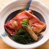 出汁を効かせ繊細な薄味で仕上げた『煮魚』