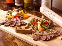 イタリア風薄切りステーキ。おつまみ感覚で『黒毛和牛のタリアータ』
