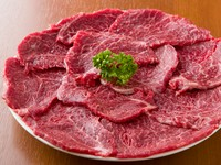 柔らかく、濃厚な旨味の『米沢牛ロース』