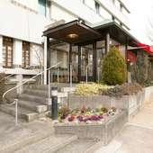 ランチやディナーはもちろん、朝食も楽しめるホテルレストラン