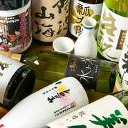 地元・徳島の地酒が主に扱われています。さらに、香川・高知など四国全県からの地酒も用意されています。小さくても多くのファンを持つ、日本有数の造り酒屋の日本酒を見つけることができるでしょう。