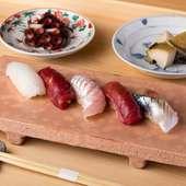 地の魚だけに固執せず、全国よりその時期の美味にも注目