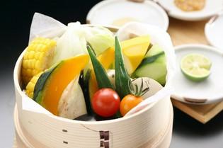 調味料・二八玄米・季節の食材(野菜など)