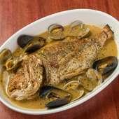 魚介の豊かな旨味を、存分に味わうことのできる『連子鯛のアクアパッツア』